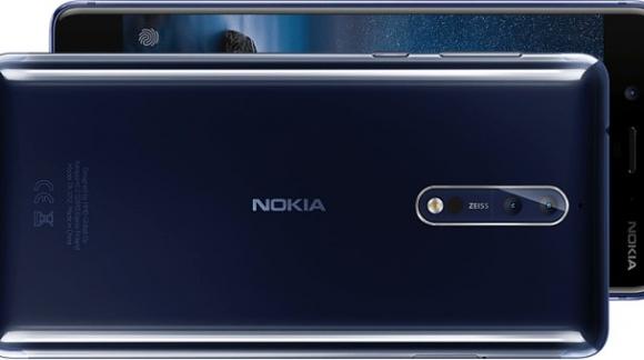 Nokia 8 - flaga na maszt!