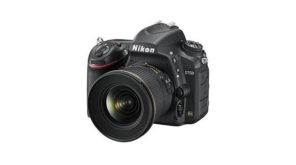 Nikon D750 - coś pomiędzy D810 a D610